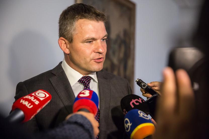 Pellegrini: S Jaceňukom vidia riešenie situácie v Minských dohodách