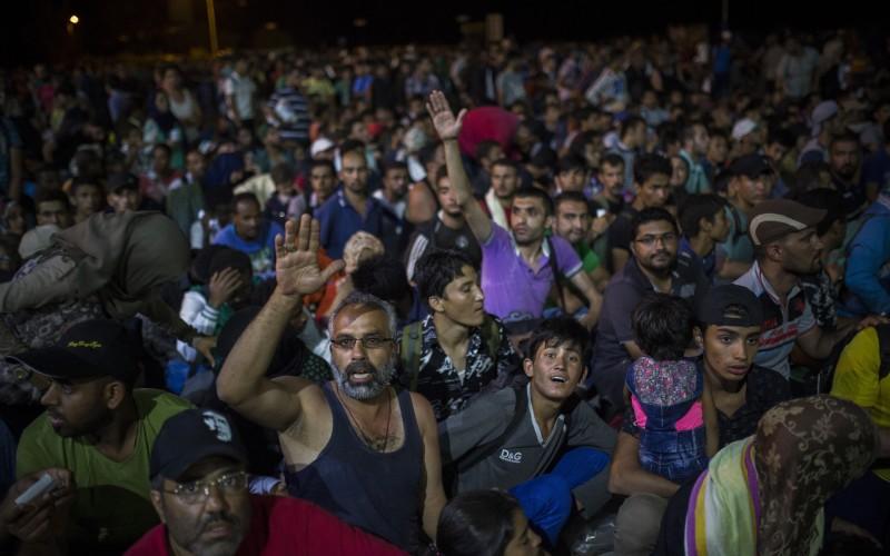 Nemci navrhujú pre migrantov decentralizované registračné centrá