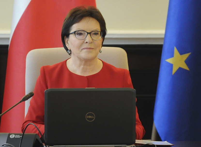 Poľská premiérka: Voľby sú výberom medzi normálnosťou a fanatizmom