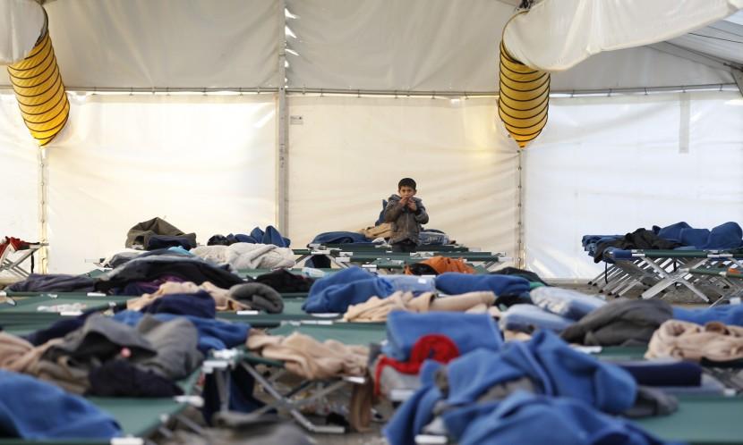 Slovinsko požiadalo EÚ o policajné posily; budú pomáhať s prílevom utečencov