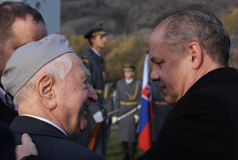 Prezident Andrej Kiska: Európu ohrozujú teroristi aj politici