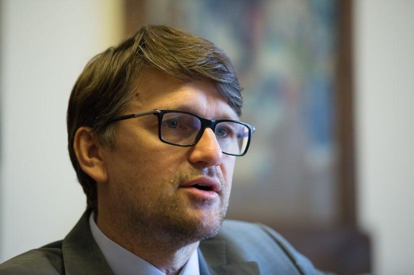 Maďarič zvažuje prezidentskú kandidatúru, tvrdí exsmerák Martvoň