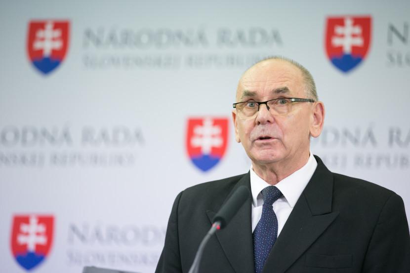 Sulíkovci chcú zvýšiť autoritu NKÚ. Žiadajú odchod jeho predsedu