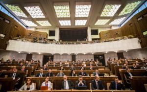 Prieskum ukazuje voľbu Slovákov: Súčasná koalícia by bola nemožná
