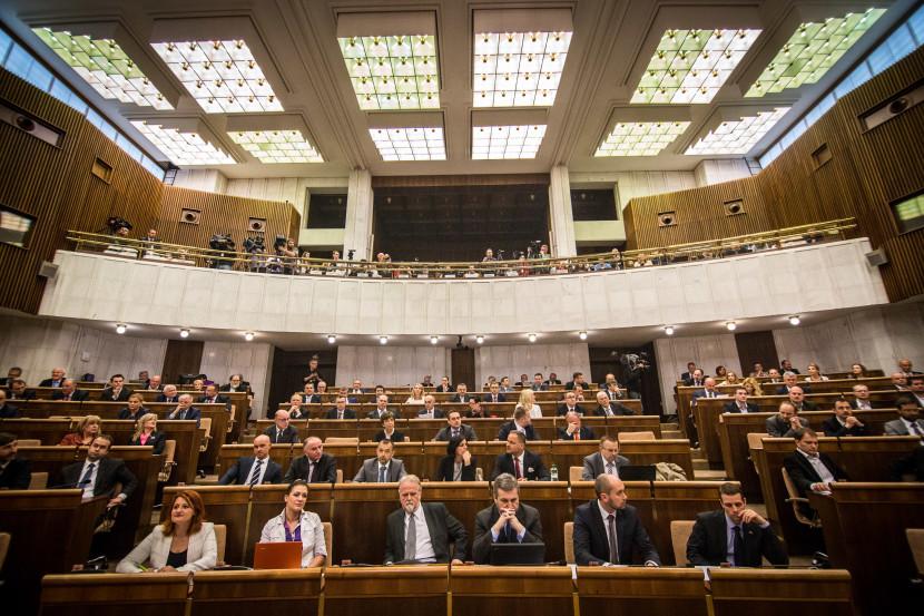 Koalícia chce jednokolovú voľbu predsedov VÚC, SaS nesúhlasí