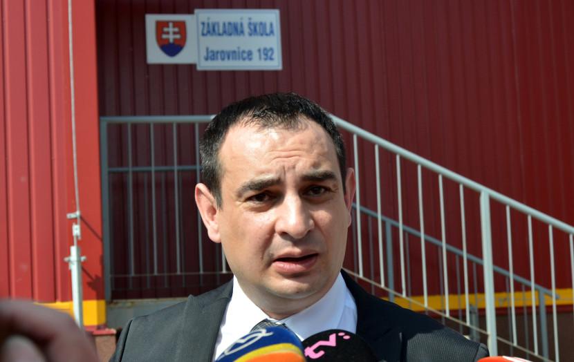 Kaliňák mal na riešenie problémov osád 10 rokov, odkazuje OĽaNO
