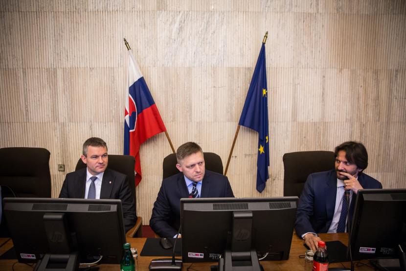 Po zasadnutí vlády: Nesúhlasí s vyslovením nedôvery Kaliňákovi
