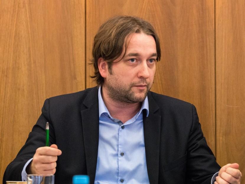 Smerák Blaha vysmial opozíciu: Stretne sa poloblázon, úchyl, fašista a nacionalista!
