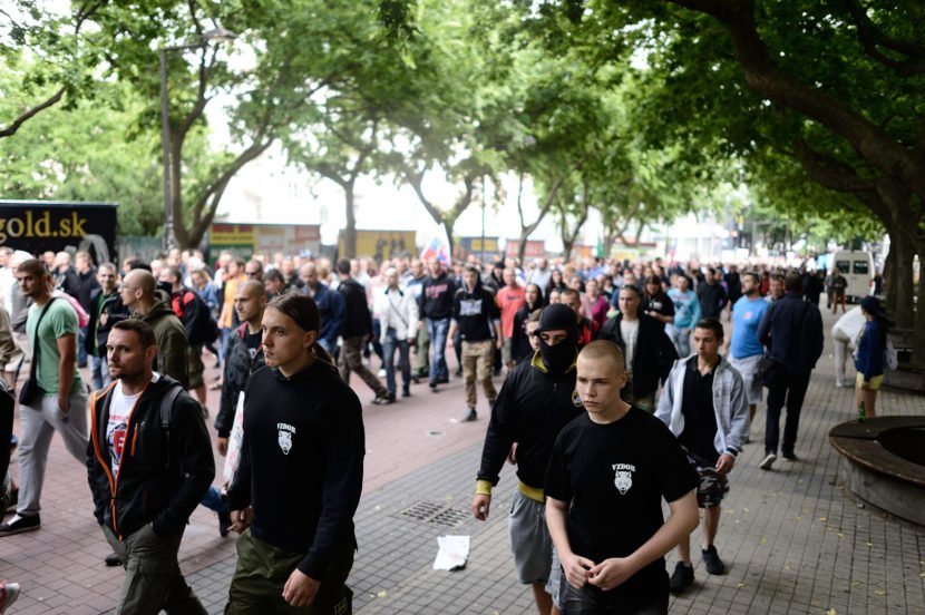 Extrémizmus na Slovensku silnie: Trestných činov je stále viac