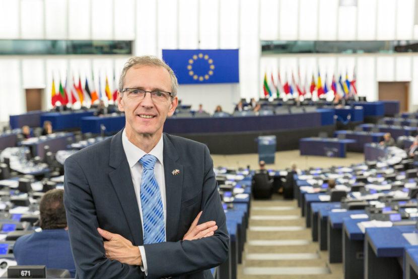 Štefanec je pri brexite zástancom skôr pragmatického prístupu