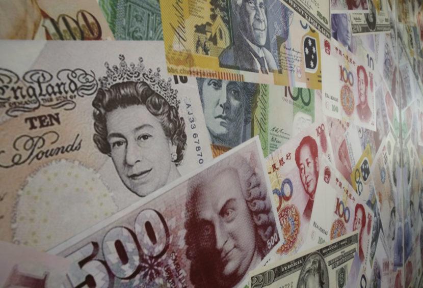 Zlé správy pre Britov: Brexit by rastu ekonomiky mohol ubrať viac