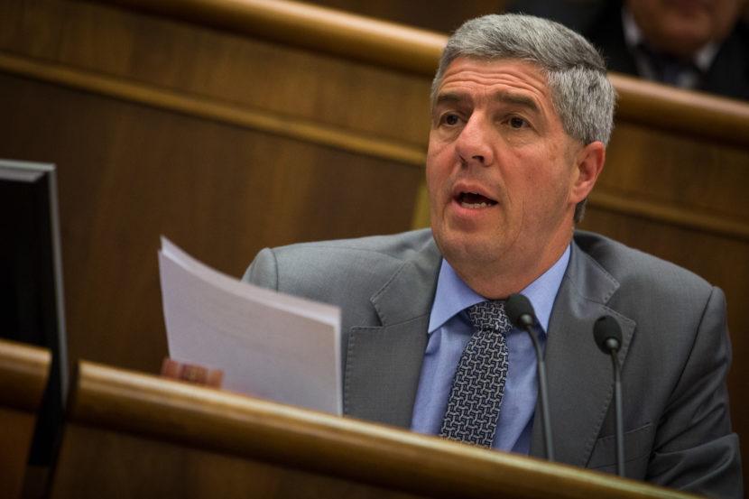 Matovič len odpútava pozornosť od daňového podvodu, tvrdí Bugár