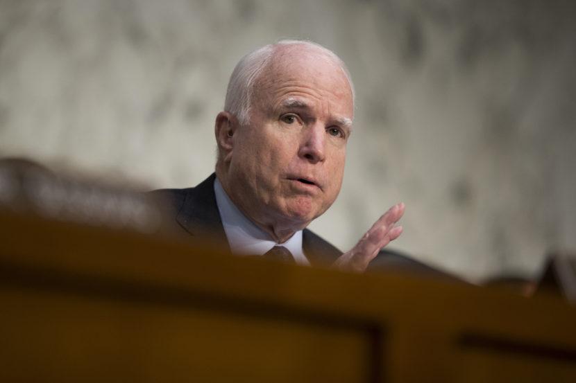Krutý údel republikánskeho senátora. McCainovi zistili rakovinu mozgu
