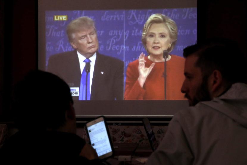 Clintonová dostala Trumpa do úzkych: Vytiahol staré hriechy jej manžela!