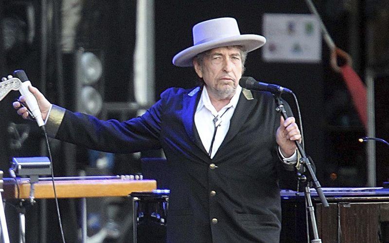 Nobelovu cenu za literatúru získal americký pesničkár Bob Dylan