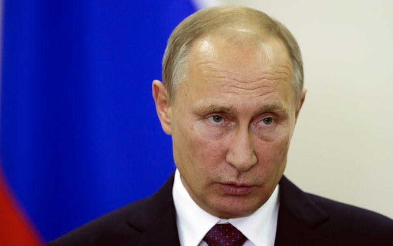 Putin podpísal dekrét o predĺžení zákazu dovozu západných potravín