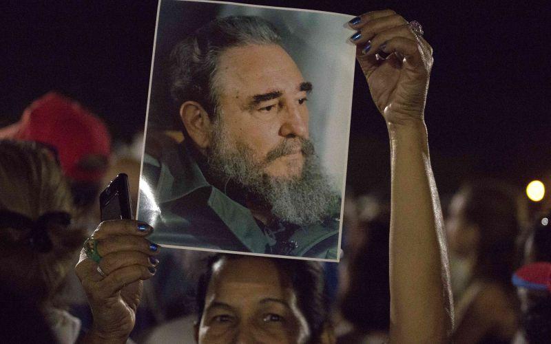 Veľká rozlúčka s Fidelom Castrom: FOTO Desaťtisíce Kubáncov v uliciach