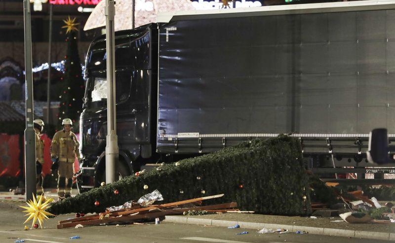 Tragédia v Berlíne. Kamión vpálil do ľudí na vianočných trhoch