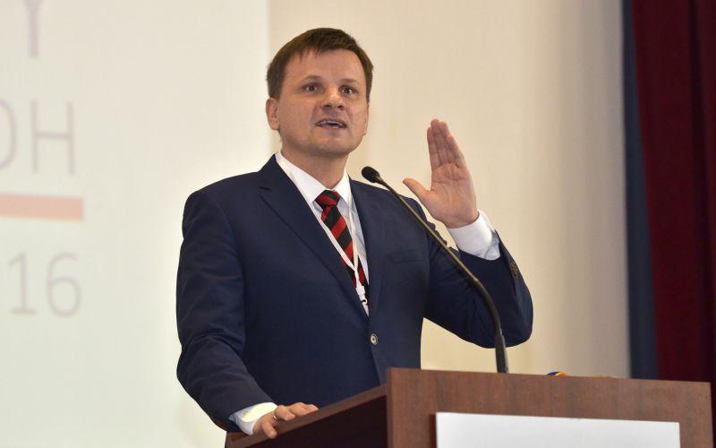 Hlina o Kaliňákovi: Obťažujúcu kriminalitu rieši necivilizovane