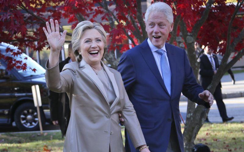 Clintonová prelomila mlčanie: Som pripravená vyjsť z lesa!