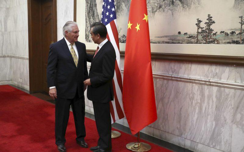 Trumpov šéf diplomacie na návšteve Pekingu: Žiada pomoc proti Kórei