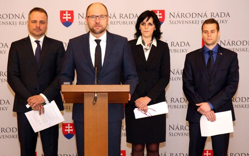 Droba, Klus a Kaščáková: Kandidáti na županov za SaS predstavili ciele