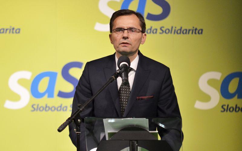 SaS prichádza s návrhom: Zvýšenie materského policajtov aj vojakov