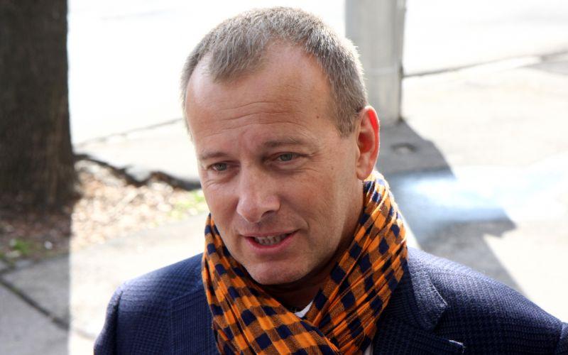 Kollár chce zvýšiť platy o 200 eur v čistom
