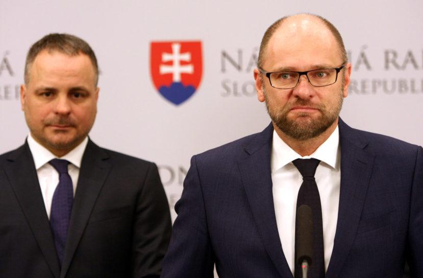 Podľa Sulíka na prvú ligu EÚ nemáme, zostaňme v úzadí