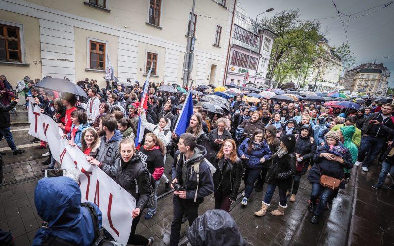 FOTO Smerák Glváč pobúril statusom: Protesty? Sú vraj aj vďaka Smeru!