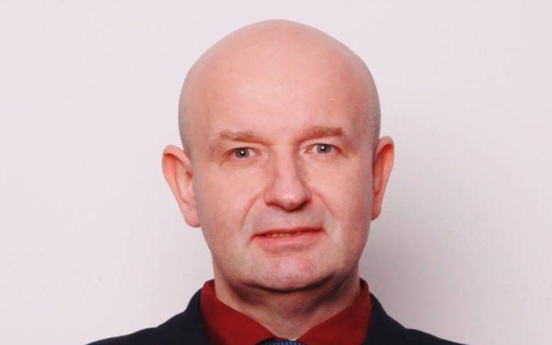 Najuletenejší kandidát na župana? V Bratislave chce vládnuť exot, ktorý straší čipmi a nadľuďmi
