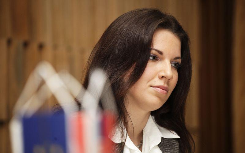 Francúzske voľby majú potenciál zlikvidovať EÚ, tvrdí Cséfalvayová