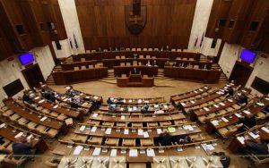 Prieskum posiela do NR SR osem strán, Smer by vládu nezostavil