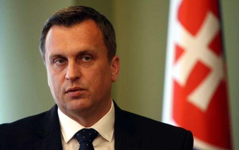 Slovenská národná strana sa nezaoberá návrhmi opozičných strán
