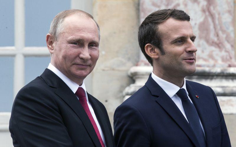 VIDEO Stretnutie plné napätia: Macron naložil Putinovi, dôvodom propaganda