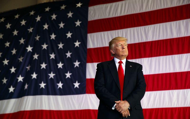 Koniec naťahovania. Najvyšší súd podporil Trumpov cestovný zákaz