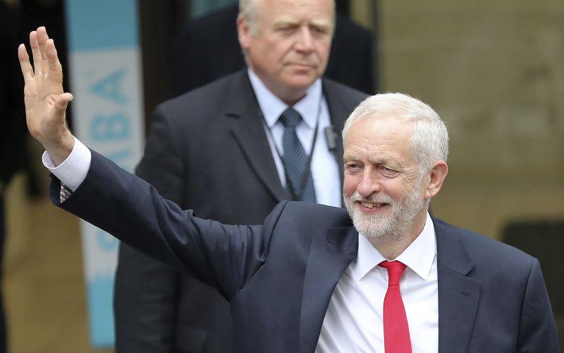 VIDEO Corbyn sa dočkal uvítania ako kráľ: Ovácie v stoji!