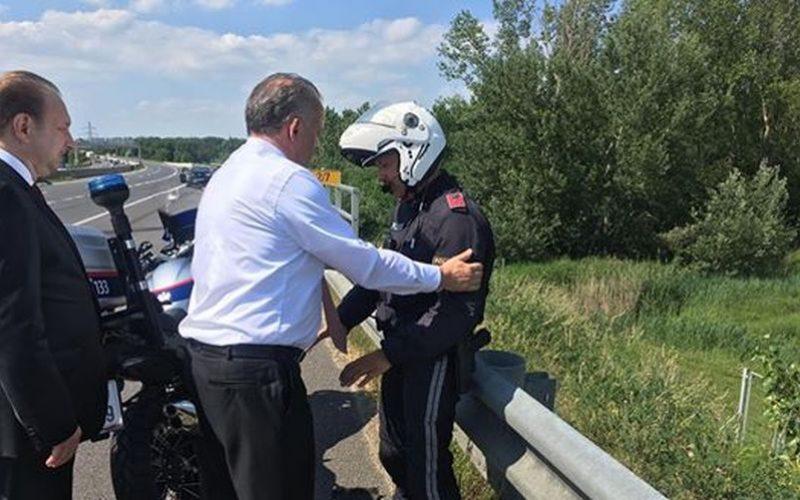 FOTO Patálie Kisku na cestách, policajt v problémoch: Nehoda v prezidentovej kolóne!
