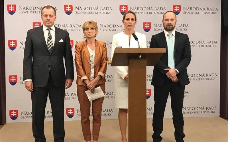 Väčšina opozície chce na čele RTVS Miku, hlasovali jednotne