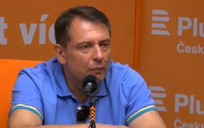 VIDEO Paroubek to v rádiu nevydržal: Nazúril ho moderátor, radšej utiekol