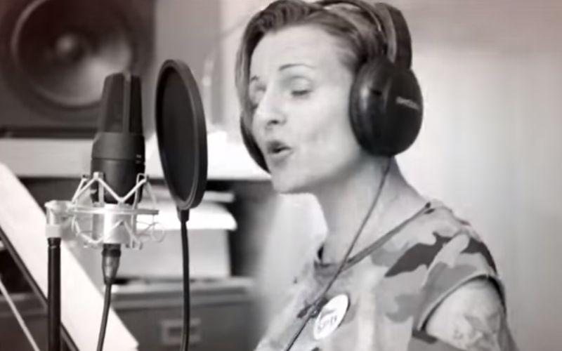 """VIDEO """"Hviezdne"""" duo baví internet: Predvolebná pesnička pre kontroverzného politika"""