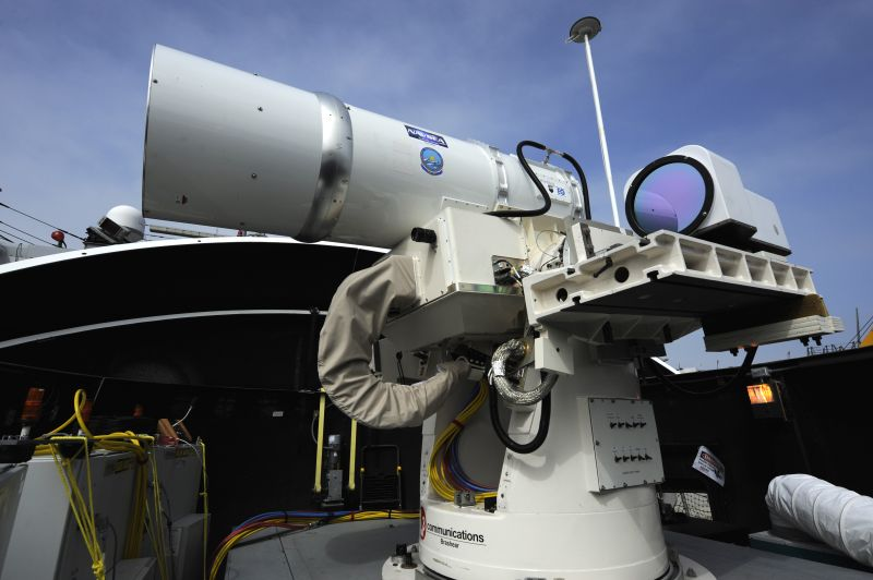 Američania ukázali superzbraň: VIDEO Neviditeľný, lacný a univerzálny laser!
