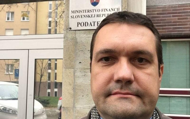 Exposlanec o škandále s ukradnutou muníciou: Možno skončila v rukách Daeš