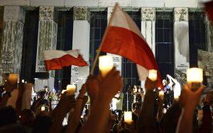 Vojna v poľskej politike: Kontroverzný návrh rozdelil krajinu a doterajších spojencov