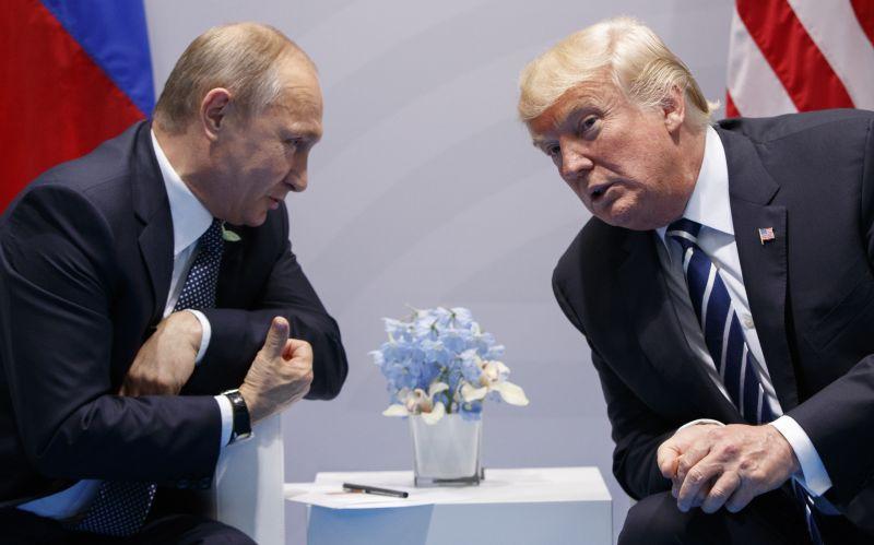 Priznali farbu. Putin a Trump sa na summite G20 zhovárali dvakrát