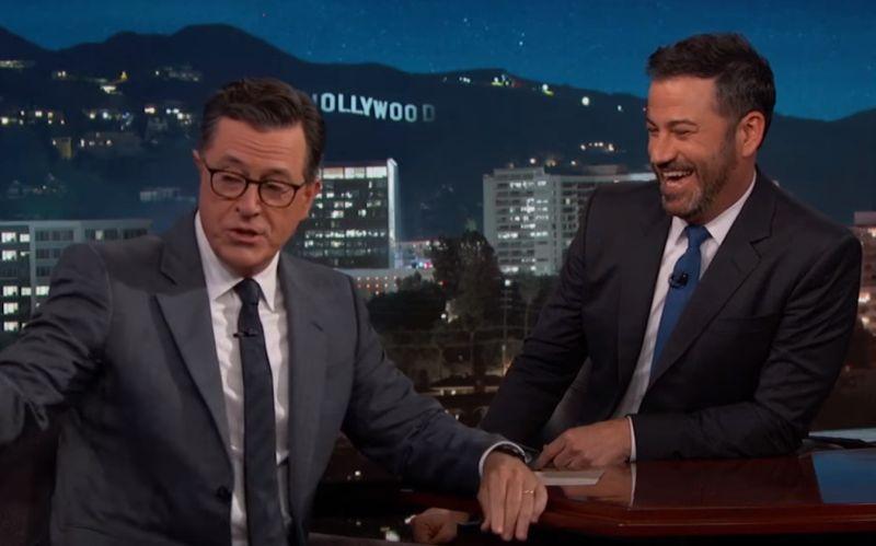 VIDEO Komici neprestávajú, Trump terčom žartov: Takto si ho podali Colbert a Kimmel