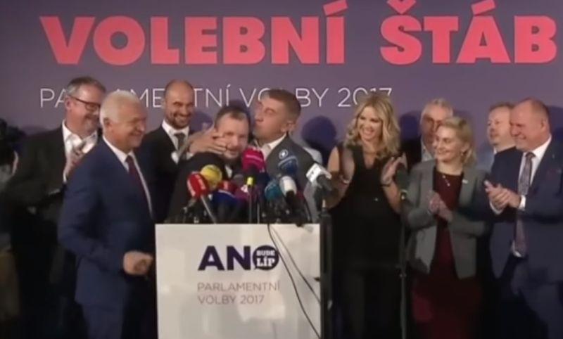 VIDEO Nadšený Babiš po voľbách: Na pódiu bozkával podriadených