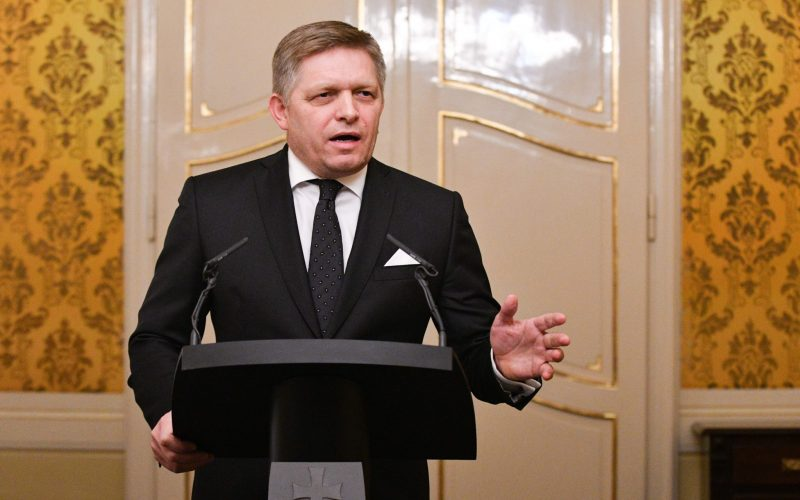 SaS je rizikom pre demokratické princípy na Slovensku, povedal Fico