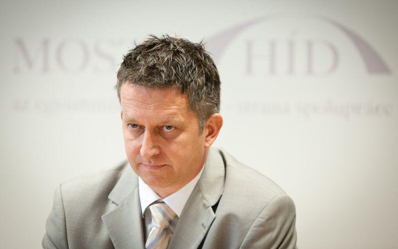 Bastrnák o povinných poplatkoch u lekára: Opozícia klame Slovákov