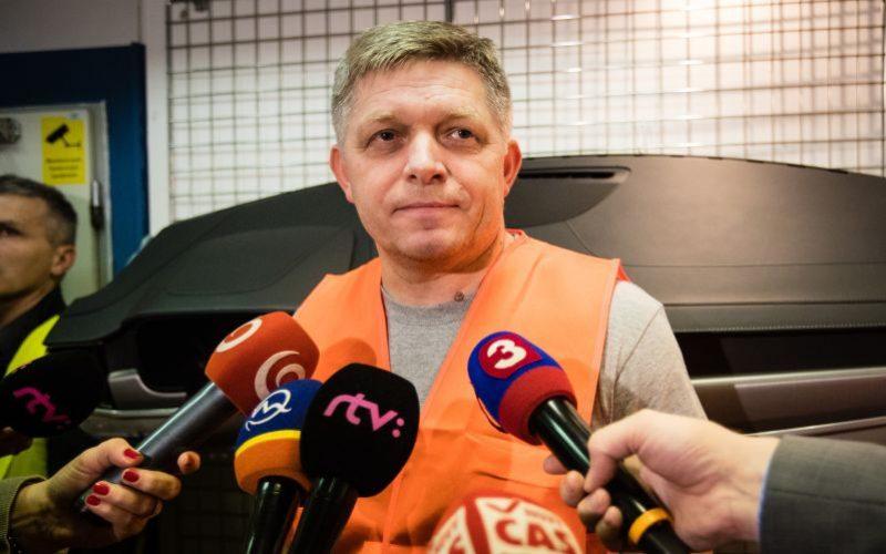 FOTO Fico si odmakal nočnú, Slováci sa činili: Toto sú najlepšie vtipy na jeho účet